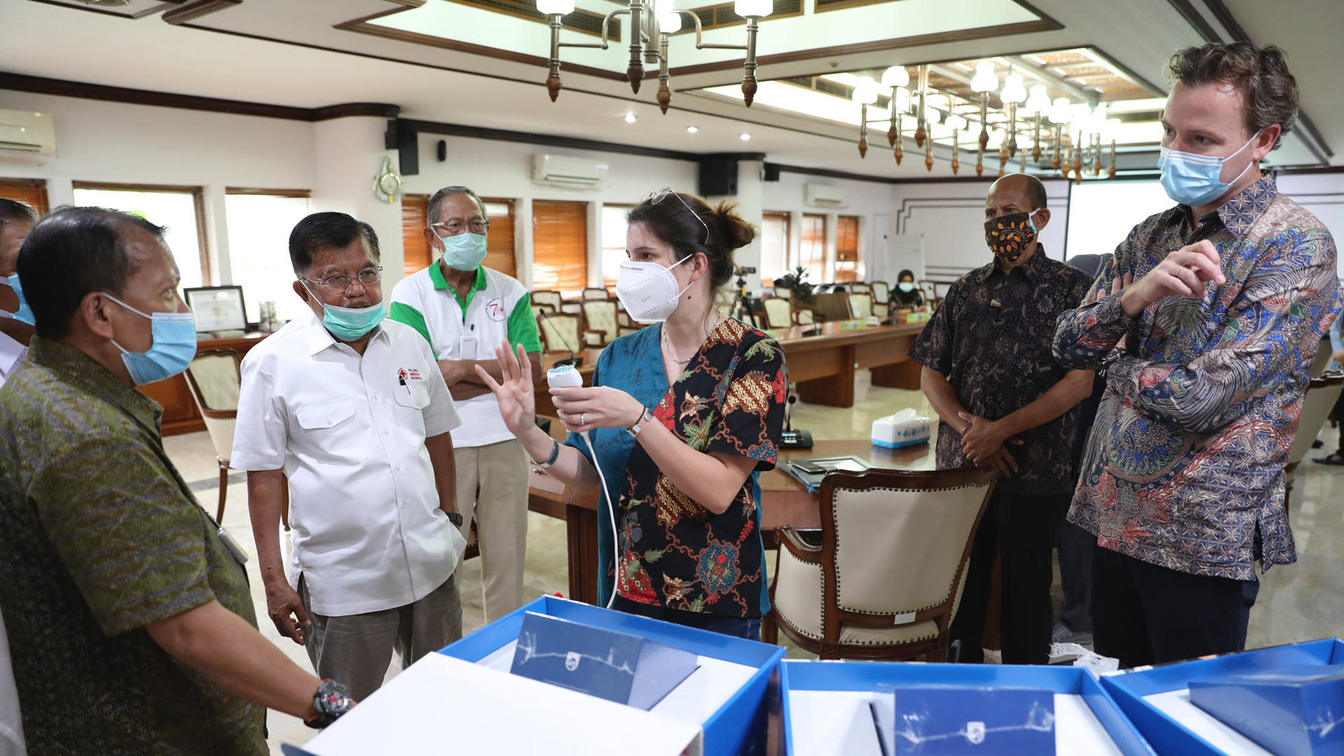 Philips Foundation supports Indonesian Red Cross in COVID-19 management